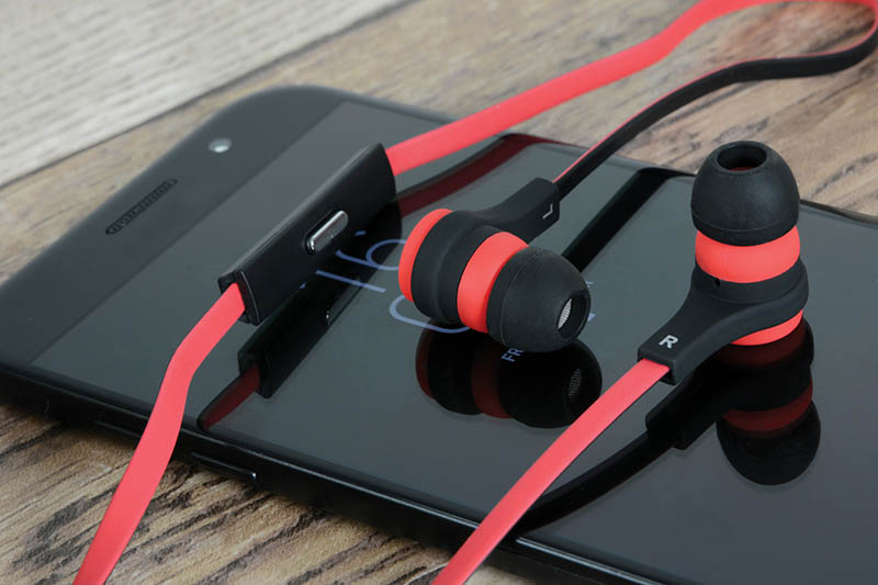 Rubberised Stereo Earphones with Hands-Fre